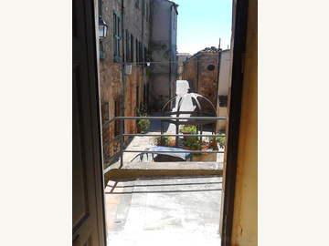 Wohnung in Serrazzano Bild 02